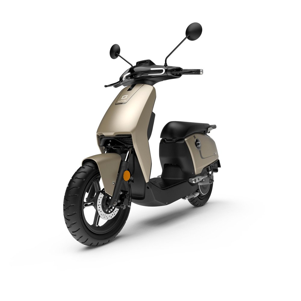 Green-mood-e-scooter_cux-basic-silver2