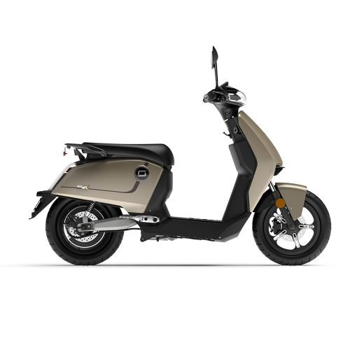 Green-mood-e-scooter_cux-luxury-gold
